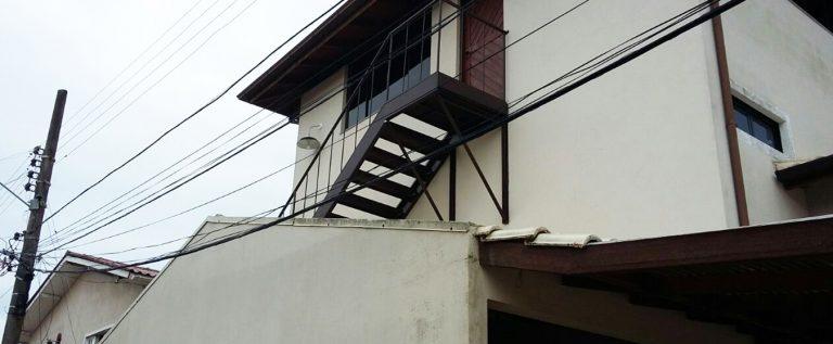 escada de aço ferro por obremet