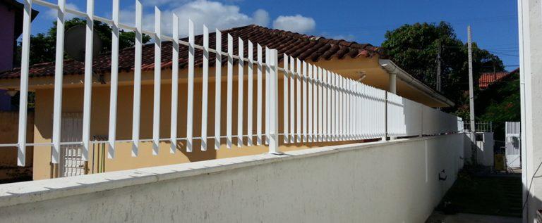 grade de muro com metal seguro obremet